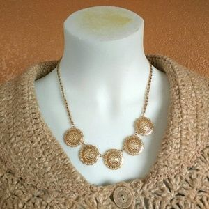 Bay to Baubles Medallion necklace gold